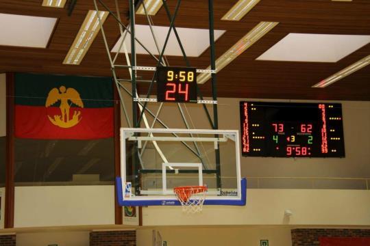 """<div class=""""row blok""""><div class=""""col-md-12""""><div class=""""row""""><div class=""""col-md-12 column""""><p>MARQUOIRS ET AFFICHEURS DE TEMPS DE POSSESSION FIBA</p></div></div></div></div>"""